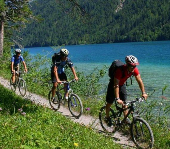 Велотури в Карпатах 2021 рік – активний відпочинок і драйв